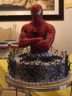 oh my goshhhhhhhhhh 3d cake!!!!!!!!!!!!!!! i need this one, not to eat but to keep it for decoration in my room