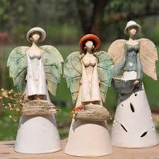 Gardens, Crafts and Salt dough Sculptures Céramiques, Paper Mache Sculpture, Pottery Sculpture, Raku Pottery, Pottery Art, Clay Projects, Clay Crafts, Pottery Angels, Handmade Angels
