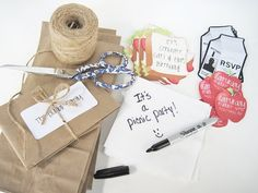 Simple Picnic Party Invites! You could even just use this for a small get together with friends for no reason. Adorable!