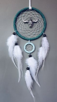 Turquoise green dream cather with bull head Room decor Bedroom decor Wall hanging Beautiful Dream Catchers, Dream Catcher Art, Dream Catcher Mobile, Diy Dream Catcher Tutorial, Dream Catcher Native American, Native American Crafts, Feather Crafts, Crafts To Make And Sell, Shell Crafts