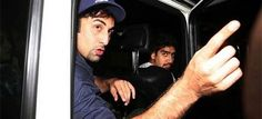 Crazy #Journalism Or Too Much #Stardom? Angry #RanbirKapoor Snatches Journalist's Phone
