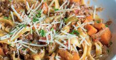 One-Pot Pasta Bolognese – 12 Tomatoes Pasta Recipes, Beef Recipes, Dinner Recipes, Cooking Recipes, One Pot Pasta, Ground Meat, Italian Dishes, One Pot Meals, Al Dente