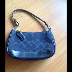Authentic Coach purse !! Coach evening bag ... Great condition ... Great for parties and weddings Coach Bags