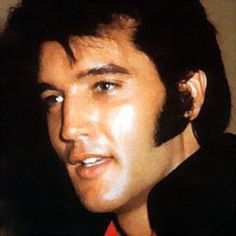 ~ Elvis Presley ~  This is my favorite picture of Elvis.