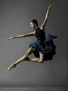 Contemporary Ballet Dancer in Blue Courtney Lavine © Rachel Neville Shall We Dance, Lets Dance, Dance Aesthetic, Dance Movement, Dance Poses, Ballet Photography, Ballet Beautiful, Beautiful Lines, Modern Dance