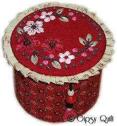French Artists, Ribbon Embroidery, Decorating Your Home, Couture, Purses And Bags, Needlework, Coin Purse, Creations, Basket