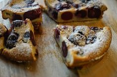 Cherry Clafoutis Savoury Dishes, Food Dishes, Cobbler, Cherry Clafoutis, Cherry Liqueur, New Things To Try, Sweet Pie, Sweet Cherries, No Bake Treats