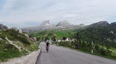 Final stretch from the summit of Falzarego to Valparola