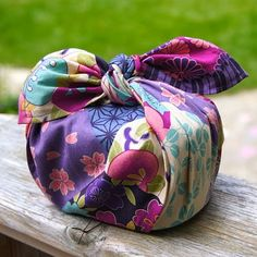 Beautiful Furoshiki! Forget the paper! Wrap your gift with fabric!