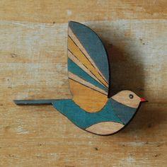 Bird brooch the linen bird