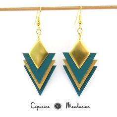 Boucles d'oreilles triangle - cuir doré mat vert jade
