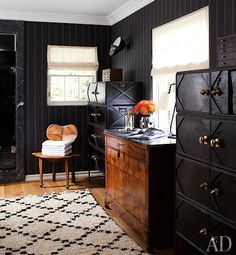 Masculine interiors with a touch of feminine flowers