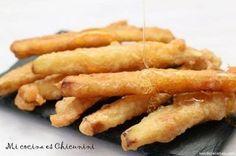 Eggplant fries in honey Vegetable Recipes, Vegetarian Recipes, Healthy Recipes, Tempura, Kitchen Recipes, Cooking Recipes, Salty Foods, Empanadas, Love Food