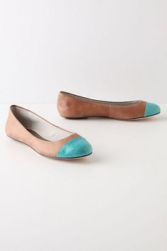 I have these in dark brown and electric blue- Most comfy flats I ever bought!