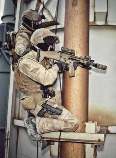 Belgian SAS operators during Tactical Urban Climbing (TUC) training with the SCAR.[1.510x2.058]