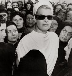 Melina Mercouri, 1962 ,  Costume Design by Theoni V. Aldredge