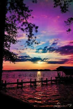 Inspiring sunset natural scenery breathtaking purples, blues over water. Beautiful Sunset, Beautiful World, Beautiful Images, Simply Beautiful, Amazing Sunsets, Beautiful Scenery, Beautiful Things, House Beautiful, Absolutely Gorgeous