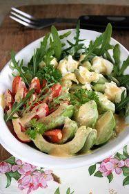 Zjadłam dziś na obiad pyszną sałatkę, i choć jest niezwykle prosta to pomyślałam że się z Wami nią podzielę. Jest sycąca i bardzo smaczna. ... Salad Recipes, Snack Recipes, Snacks, Mango, Potato Salad, Vegetarian Recipes, Good Food, Food And Drink, Healthy Eating