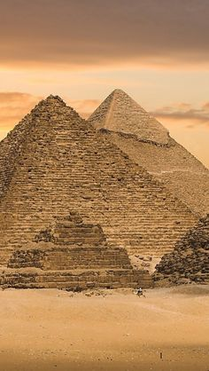Great Pyramids of Giza, Egypt
