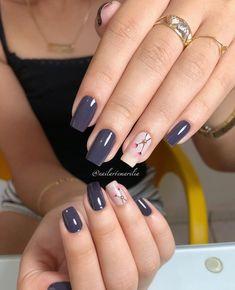 💚💅🏻 . . . . . . . Não foi retirada a cutícula * #unhas #unha #unhasdecoradas #unhasdasemana #unhasdehj #nails #nail #nailsart… Beige Nails, Lace Nails, Metallic Nails, Neutral Nails, Elegant Nail Designs, Toe Nail Designs, Nail Desighns, Luxury Nails, Manicure E Pedicure