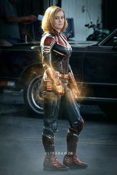Captain Marvel<< THIS! THIS IS WHAT I WANT! THIS IS FLIPPING AMAZING! BYE BYE STUPID UGLY PROTO SUIT! I WANT THIS!