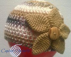 Guarda questo articolo nel mio negozio Etsy https://www.etsy.com/it/listing/564040313/cappello-con-fiore-e-bottone-in-legno