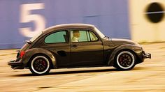 Bugster: conheça o Fusca com motor (e todo o resto) de Porsche Boxster!