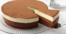 """TORT """"DUET DE CIOCOLATĂ"""" –un desert fin, aerat, delicios şi foarte frumos, perfect pentru ocazii mai speciale. Pregătiți şi savurați cu plăcere alături de cei dragi! INGREDIENTE: pentru aluat: Făină – 60 g Cacao pudră- 20 g Zahăr – 60 g Unt – 50 g Ouă – 3 bucăţi Vanilie – după gust pentru mouse …"""