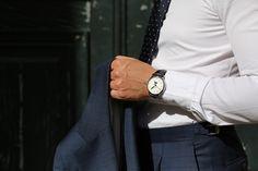 Mon avis sur les costumes sur-mesure Jean-Manuel Moreau   VGL Costume Noir, Menswear, Mens Fashion, Tailored Suits, Wristwatches, Men Styles, Moda Masculina, Man Fashion, Men Wear
