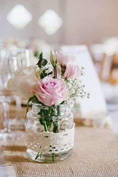Perfekte Blumen Blumendeko und Blumenschmuck im Glas Hochzeit