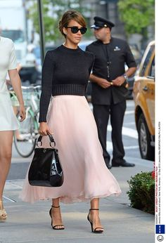 JESSICA ALBA PINK ANKLE DRESS & MANOLO BLAHNIK SHOES