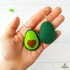 Avocado earrings Green miniature avocado Avocado jewelry Avocado accessories Fake food earrings Natu Animal Earrings, Diy Earrings, Crochet Earrings, Dyi Crafts, Felt Crafts, Avocado Gifts, Felt Keychain, Dinosaur Gifts, Diy Doll