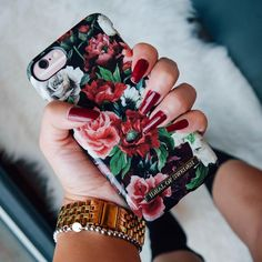 Antique Roses by @karenfangg #fashion #style #ootd #roses #iphone #gifts
