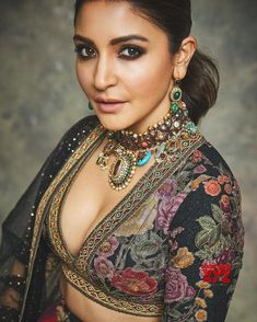 Anushka Sharma and Virat Kohli have been married for almost two years now.Anushka Sharma on being blamed for hampering Virat Kohli's work life Anushka Sharma And Virat, Virat Kohli And Anushka, Anushka Sharma Saree, Shilpa Shetty, Indian Attire, Indian Wear, Indian Outfits, Bollywood Actress Hot Photos, Bollywood Fashion