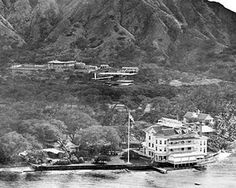 Photos by jalna: Old Hawaii. Is this is the Moana Hotel, Waikiki?