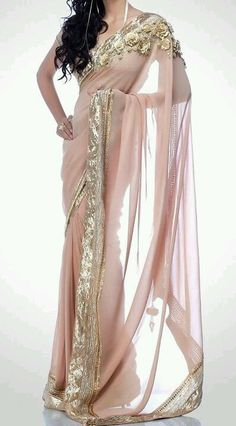 Blush & Gold Sarees for Bridesmaids!! With white bouquets...Possibly adding this to a mismatched bridesmaid set. Indian Attire, Indian Wear, Indian Outfits, Indian Dresses, India Fashion, Salwar Kameez, Gold Bridesmaids, Bridesmaid Saree, Elvish Dress