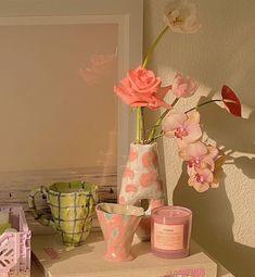 Instagram post by @pearly_interiors • Sep 15, 2020 at 5:38pm UTC Room Ideas Bedroom, Bedroom Inspo, Bedroom Decor, Decor Room, Home Decor, Keramik Design, Indie Room, Pretty Room, Room Goals