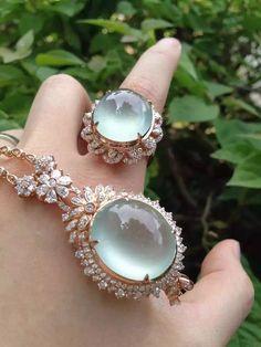 Coral Jewelry, Gems Jewelry, Diamond Jewelry, Jewelry Accessories, Jewelry Design, Jewelry Closet, Fantasy Jewelry, Luxury Jewelry, Gemstones