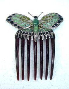 Replica of Rose's Vintage hair comb seen in the film - Titanic.