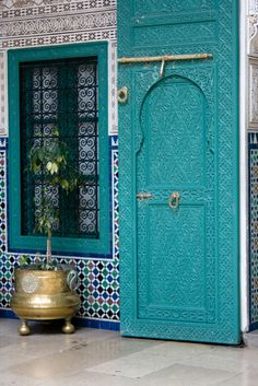 Wonderful colours, patterns and shapes. From Casablanca City Hall. - Maroc Désert Expérience tours http://www.marocdesertexperience.com