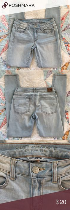 American Eagle Super Stretch Jegging! American Eagle Super Stretch Jegging! Great condition. Size 2. Light denim. Looks cute with boots, flats, and sneakers! Bundle with other listings to receive a discounted offer! American Eagle Outfitters Jeans Skinny