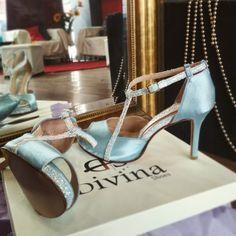 Σατέν Νυφικά παπούτσια σε απαλό γαλάζιο σατέν με γκλιτερ και χαμηλό τακούνι! Blue Satin, Low Heels, Baby Blue, Stuart Weitzman, Sandals, Handmade, Shoes, Fashion, Moda