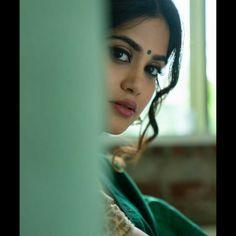 Indian Actress Pics, Beautiful Indian Actress, Beautiful Girl Photo, Beautiful Eyes, Beautiful Women, Beautiful Celebrities, Beautiful Actresses, Beautiful Housewife, Cute Photography