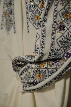 Dress Design Sketches, Ghagra Choli, Embroidery Needles, Pattern Books, Stitch Patterns, Needlework, Anthropologie, Cross Stitch, Textiles