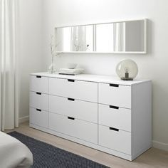 NORDLI Commode 9 tiroirs - blanc - IKEA Modern Contemporary Living Room, Living Room Modern, 3 Drawer Chest, Chest Of Drawers, Nordli Ikea, Painted Drawers, Drawer Runners, Neutral Bedrooms, White Chests