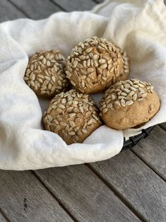 Bread Rolls, Snacks, Nom Nom, Bakery, Food And Drink, Cooking Recipes, Cookies, Desserts, Breads