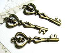 10 pcs Antique Bronze Heart Shaped Victorian Key by BaublesOfFun, $2.95