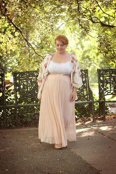 Style vestimentaire romantique, robe taille empire, couleurs pastel, bohème chic