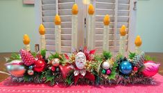 Image of Vintage 8 Light Christmas Candolier with Ornaments and Vintage Christmas Ornaments 1950s, Handmade Christmas Decorations, Antique Christmas, Christmas Past, Primitive Christmas, Christmas Centerpieces, Retro Christmas, Rustic Christmas, Christmas Projects
