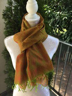 Soft Seidenfoulard, grün/rot sFr. 34.-- Tibet, Winter, Fashion, Headscarves, Moda, Fasion, Winter Fashion